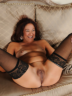 Mature Pictures Featuring 52 Year Old Renee Black From AllOver30
