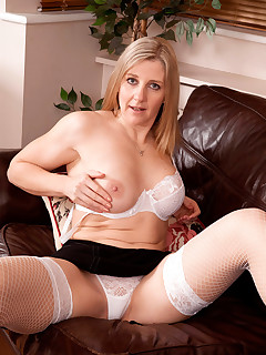 Anilos.com - Freshest mature women on the net featuring Anilos Tonya mature porn