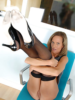 Anilos.com - Freshest mature women on the net featuring Anilos Montana Skye cougar milfs