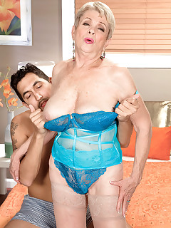 60 Plus MILFs - This time, a creampie - Lin Boyde and Juan Largo (43 Photos)