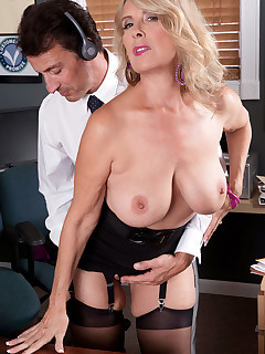 50 Plus MILFs - Customer service - Laura Layne and Tony D'Sergio (52 Photos)