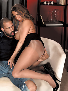 Scoreland - Busty MILF of the Month - Stacie Starr and Carlos Rios (49 Photos)