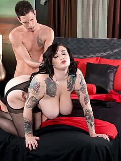 Scoreland - Playing With Fire - Scarlet LaVey and Tyler Steel (55 Photos)