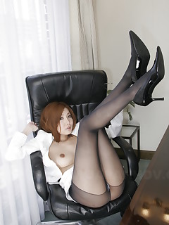 Stunning Japanese office girl Yuna Hirose | Japan HDV